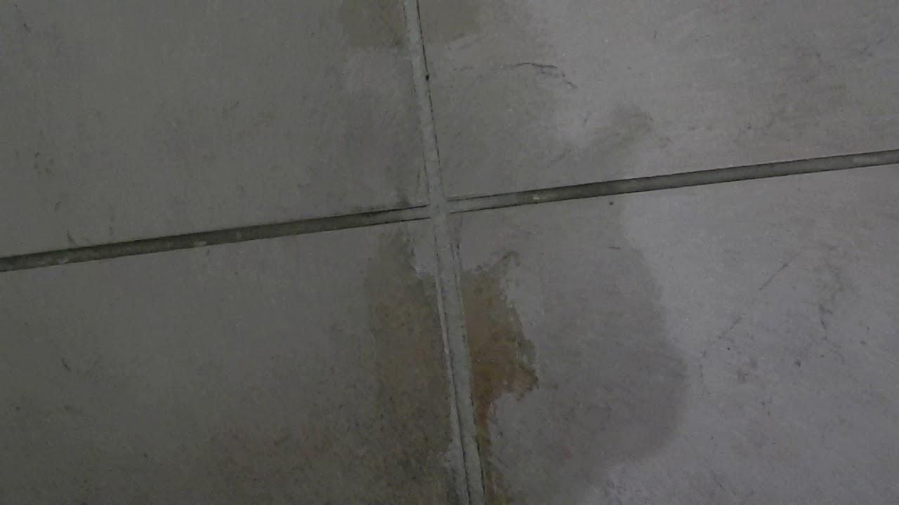 comment enlever du ciment colle sur du carrelage