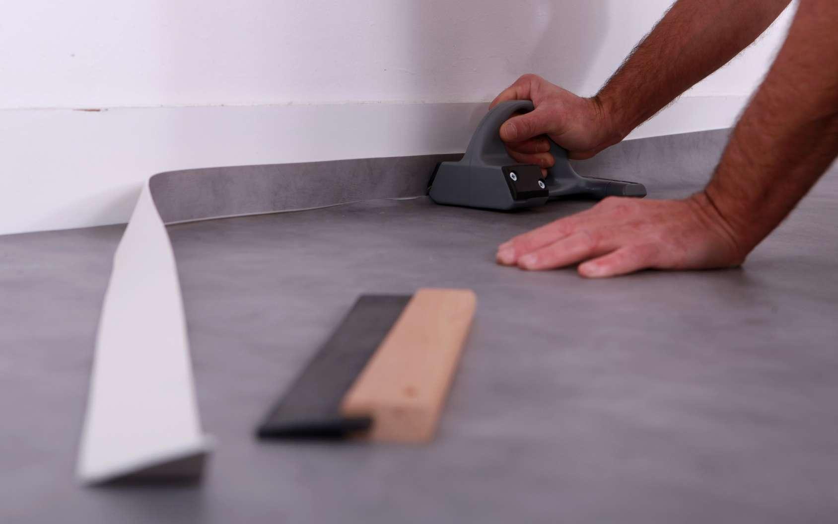 conseils retrait colle dalles adhesives carrelage
